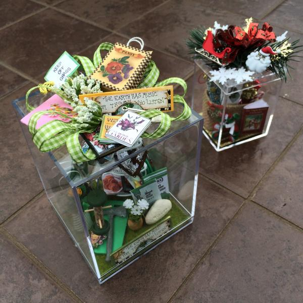 container displays