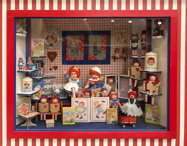 Barbara Fairbanks's Raggedy Ann and Andy Roombox