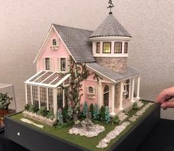 Lisa Holm's Petalstone