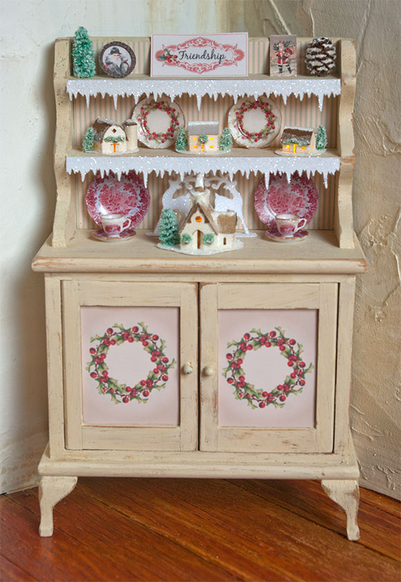 christmas-friendship-hutch-front
