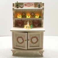 Karen Tomajan created this Friendship Hutch in the Benicia workshop taught by Carol Kubrican.